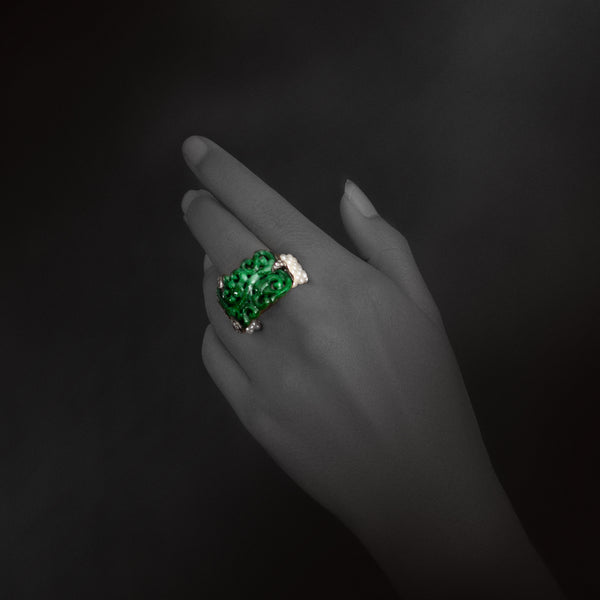 Puang Ma Lai Ring with Jade, Pearl and Diamond