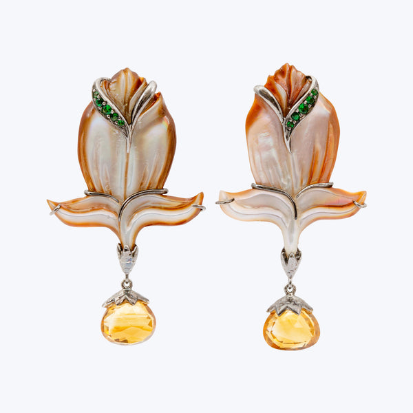 Carved Shell Earrings with Citrine & Tsavorite wt. 9.53 g.