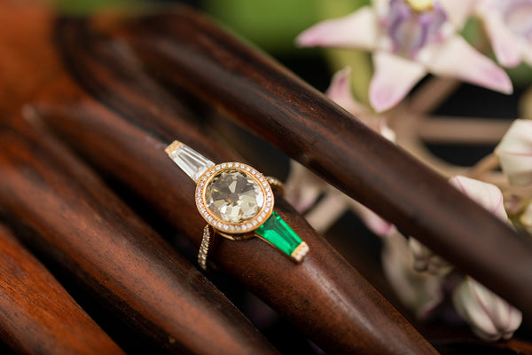 Columbian Emerald and Diamond Ring in 18K Gold