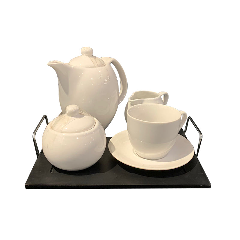 S/4 tea set eartheware white on wooden tray