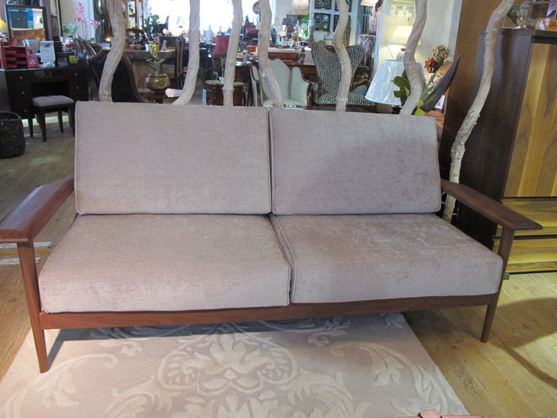 Dao walnut Sofa, 3 Seater