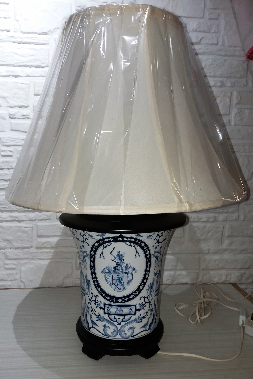 hand painted Chinese porcelain base, export European theme, 1970