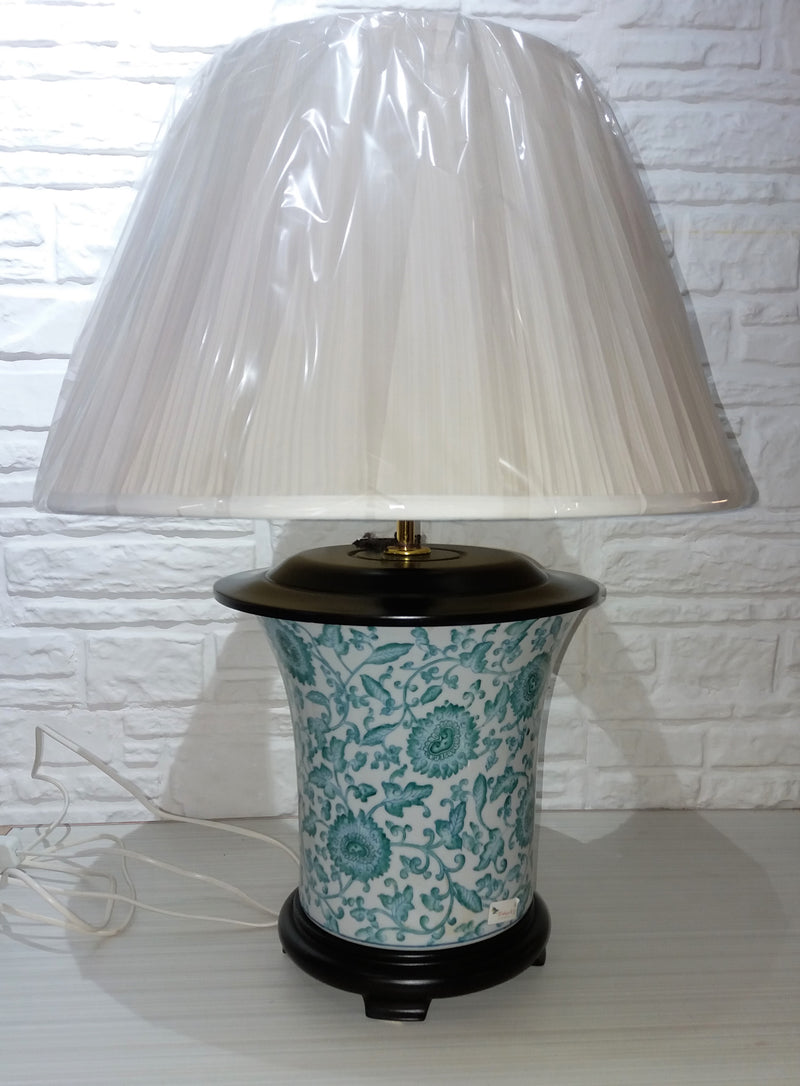 Vintage Ceramic porcelain chinese lamp