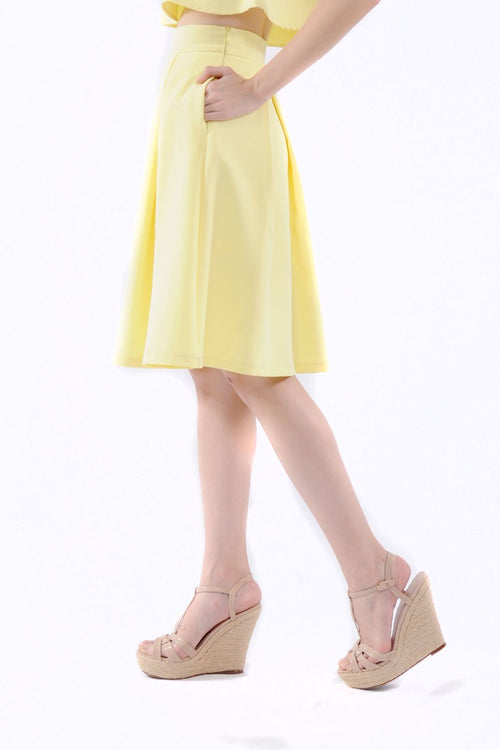 Kaitlynn Midi Skirt in Yellow