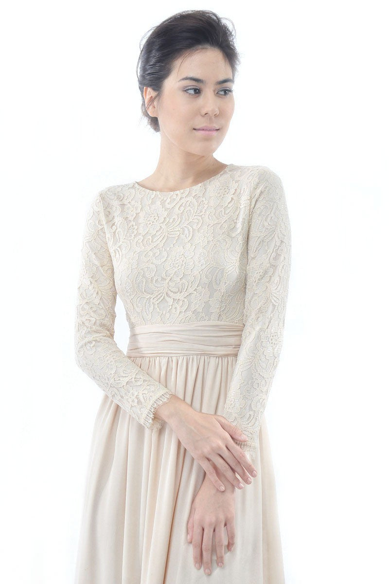 Lunaa Dress in Champagne