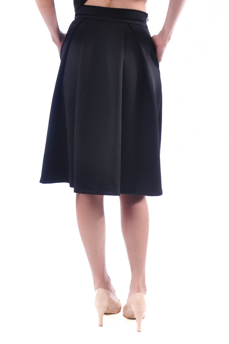 Kaitlynn Midi Skirt in Black
