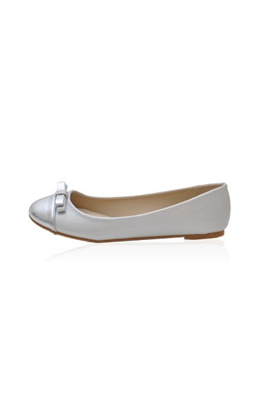 Kylie Flats in Silver