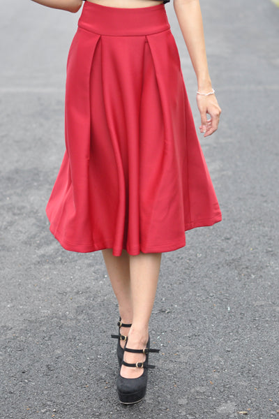 Kaitlynn Midi Skirt in Wine