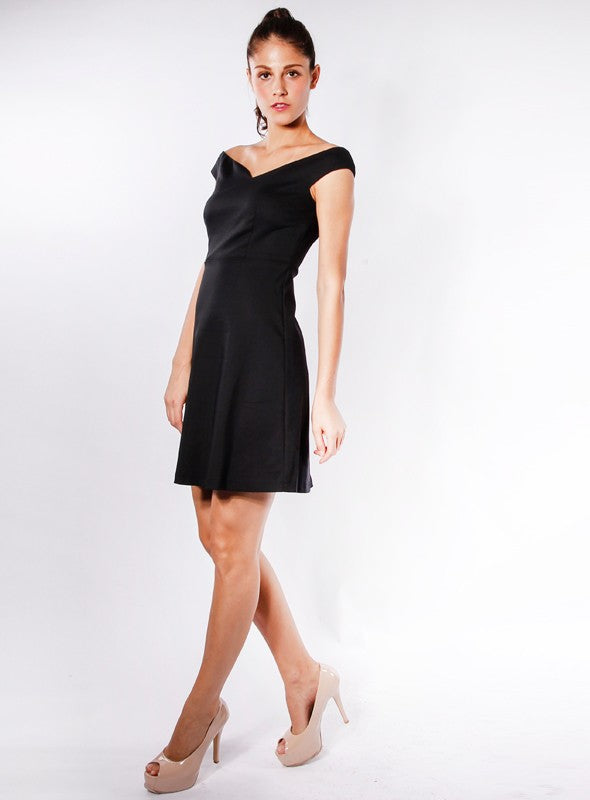 Chelsea Dress in Black
