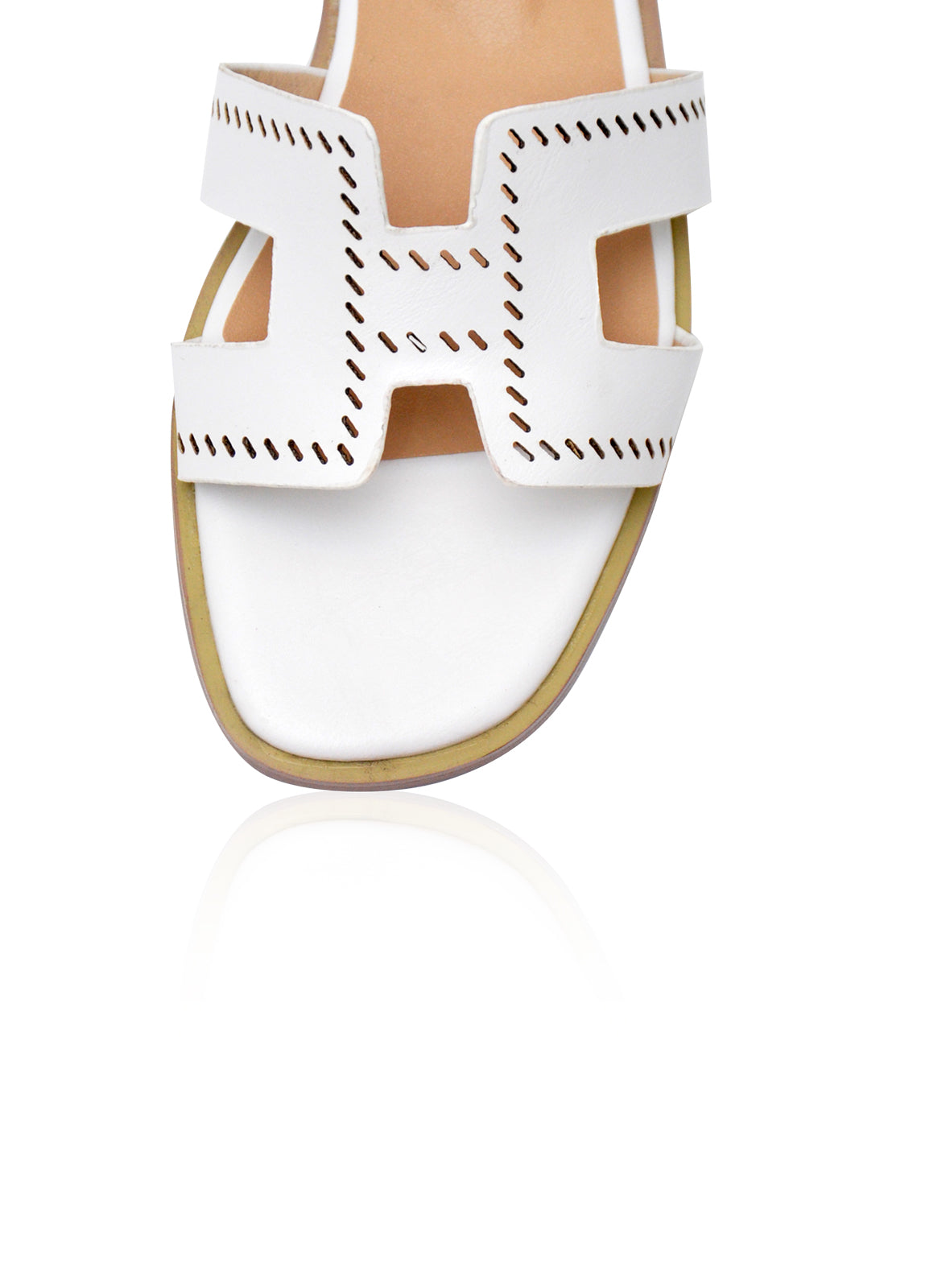 Alison Flats in White