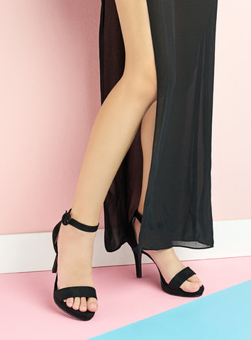 Beverly Heels in Black