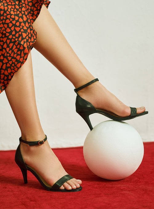 Misty Heels in Black