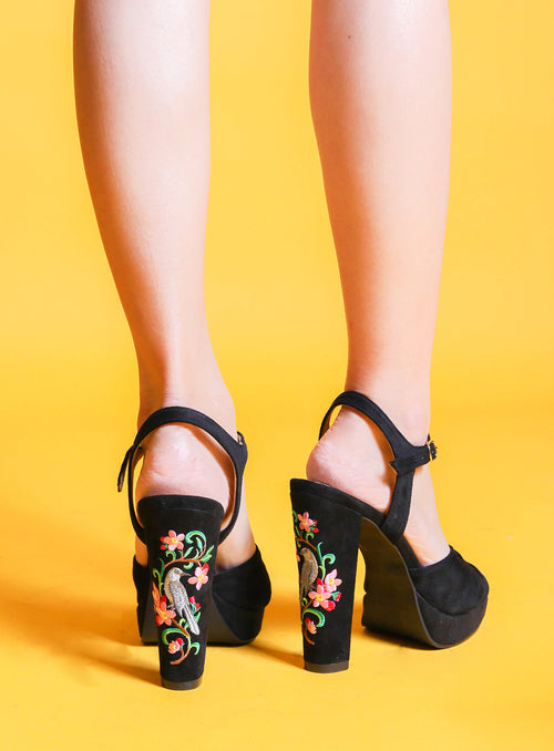 Prosperity Heels in Black