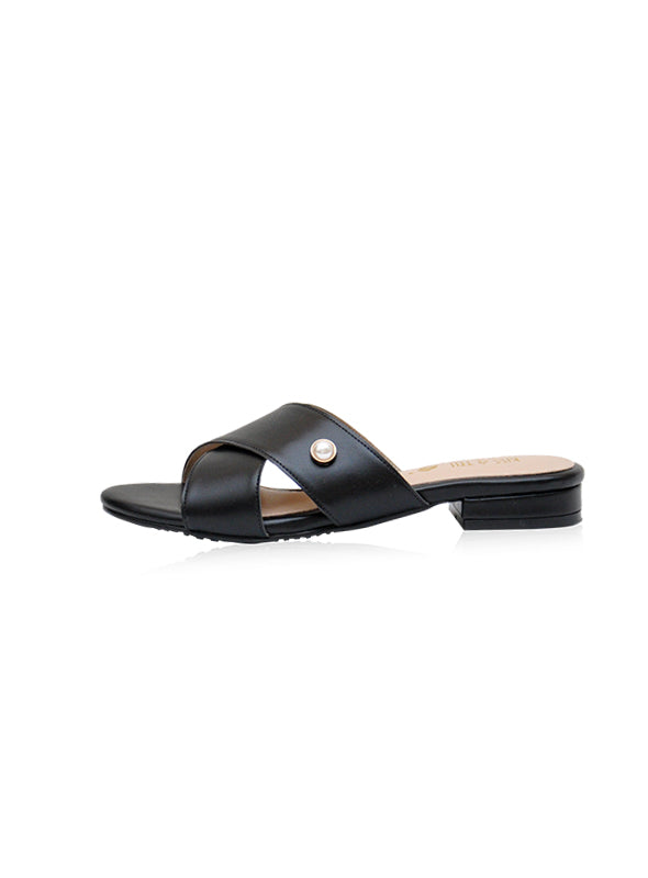 Taya Flats in Black