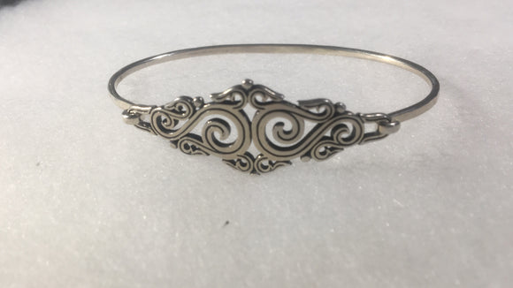 Retired signed James Avery sterling silver bracelet ornate scroll design