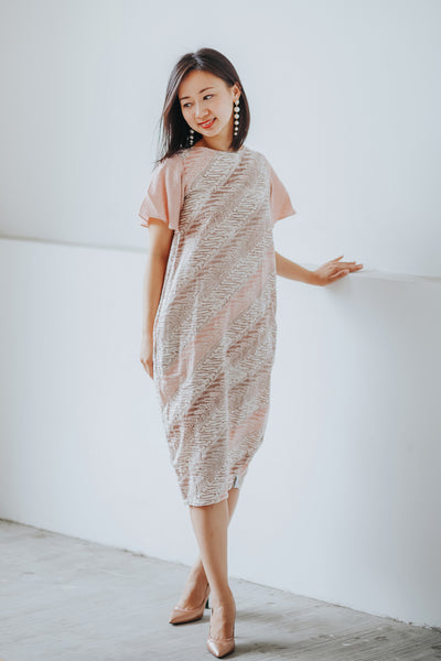 PARANG BLUSH Sleeve Tulip Dress BATIK