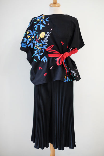 BLACK 花 HANA Embroidery Multiway Top