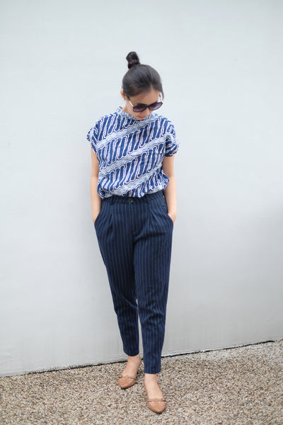 BATIK PARANG NAVY Multiway Top