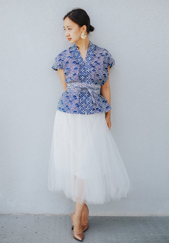 SEIGAIHA せいがいは Batik Nyonya Cap Sleeve Top Navy