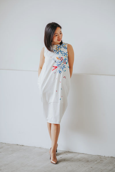 WHITE HANA Tulip Dress