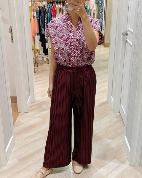 SEIGAIHA せいがいは Batik Nyonya Cap Sleeve Top Burgundy