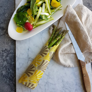 asparagus in beeswax wrap