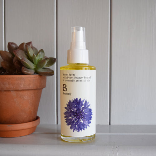 Refreshing room spray with Sweet Orange, Fennel & Spearmint by Bramley Products