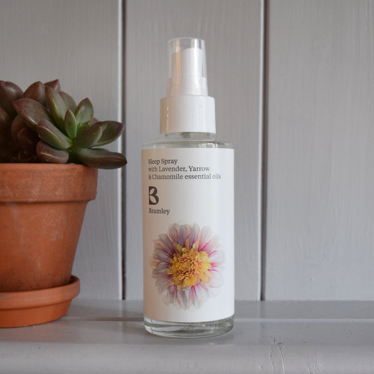 Relaxing sleep spray with Lavender, Yarrow & Chamomile by Bramley Products