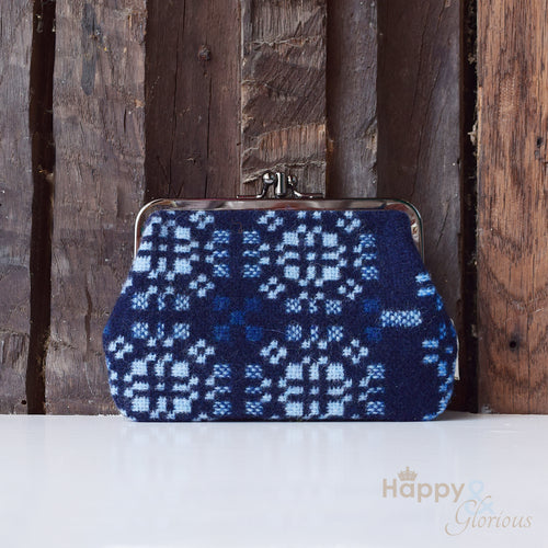 Medium lambswool 'Knot Garden' navy blue clip purse