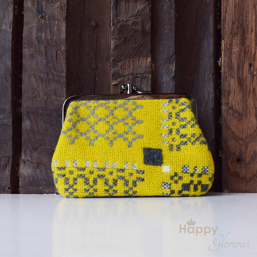 Medium lambswool 'Knot Garden' yellow gorse clip purse