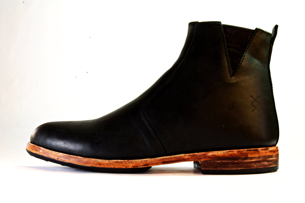 Chelsea Boot - Bear Black