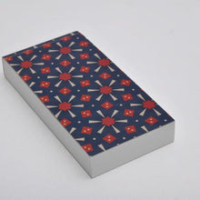 Notepad with perforated sheets and red / blue pattern cover