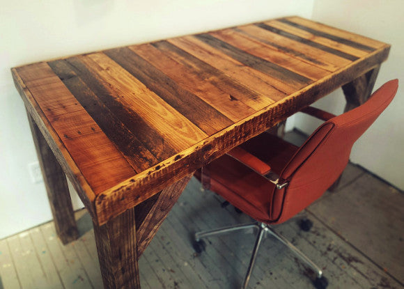 Charming Pallet Desk | Reclaimed Wood Furniture | Fringe Focus Nice Ideas