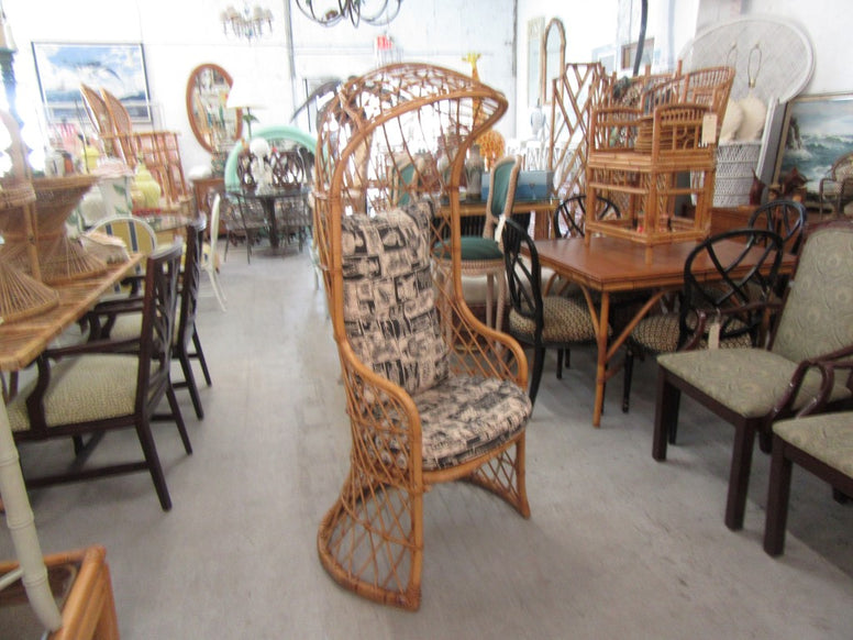 Rattan Diamond Pattern Hooded Chair