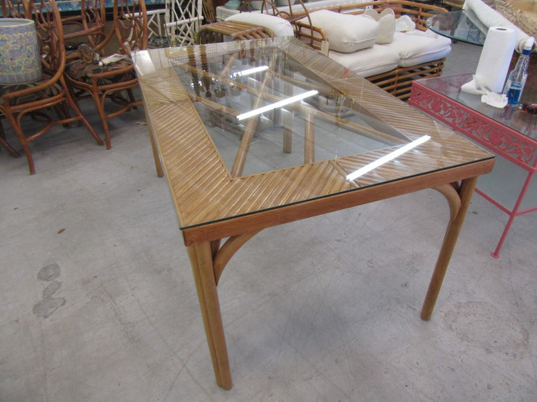 Island Style Rattan Chippendale Table