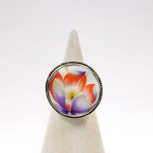 Size 7.5 Vibrant Flower Ring