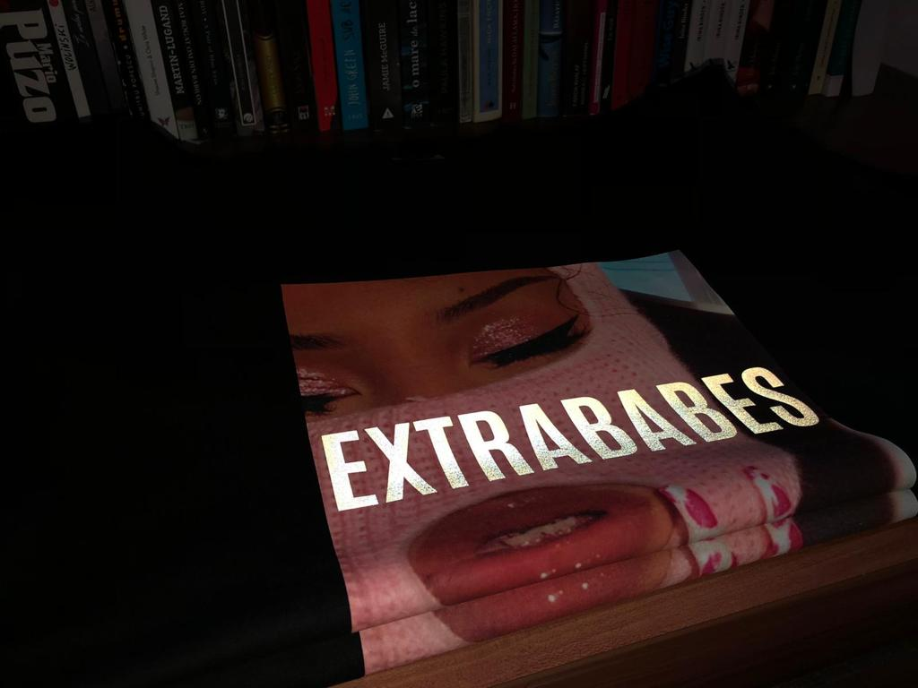 'EXTRABABES SAVAGE' T-Shirt