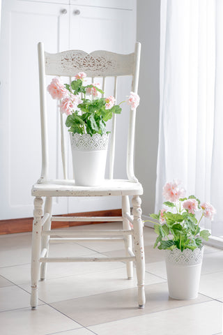 Be it for the holidays, or year round use, everyone needs a white farmhouse table they can gather around. Make your own using Homestead House Milk Paint.