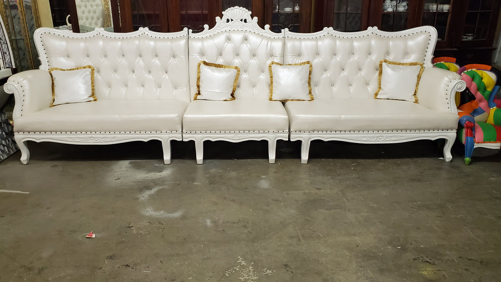 """Queen Serafina"" 154"" Royal Lounge Sofa - White / White"