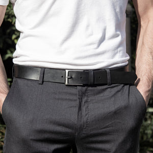 Black vegan elegant belt
