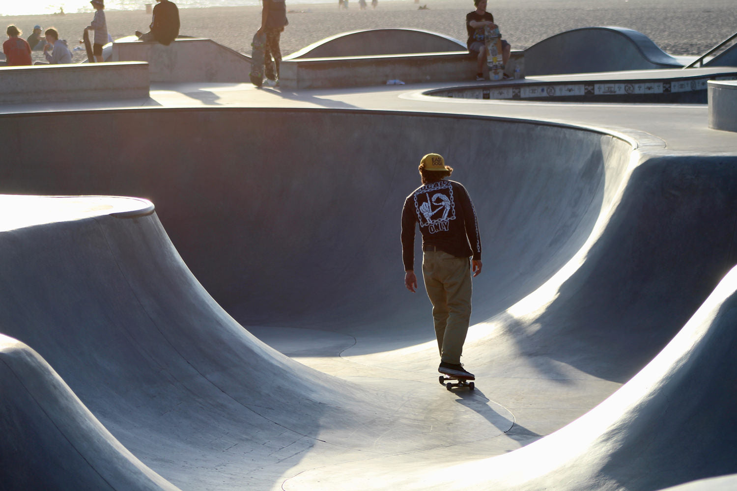 what-its-like-to-skate-venice-beach-skateboarding-longboarding-photo-3