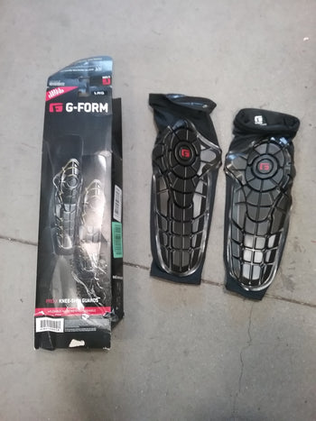 G-form Knee Shin Pads, Open Package