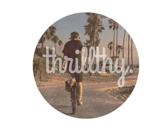"thrillthy Retro Vibes Round Sticker 3"" Single Sticker"