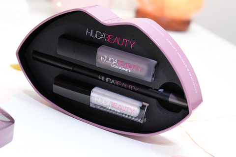Huda Beauty Contour and Strobe Set