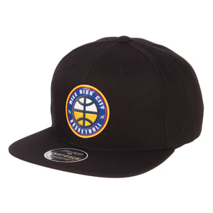 Nuggets Mile High Basketball Badge Snapback - Black