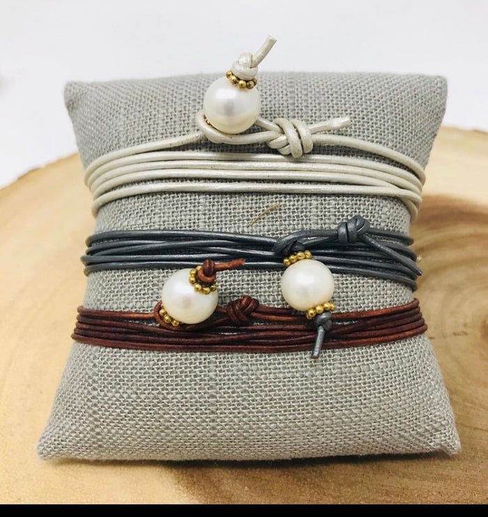 Mi Leather pearl Wrap Bracelet