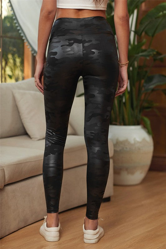 Chloe Black Camo Leggings