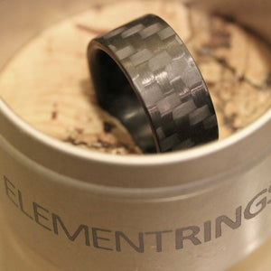 A carbon fiber men's ring