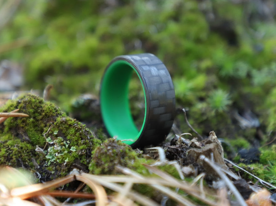 A green carbon fiber glow ring outside