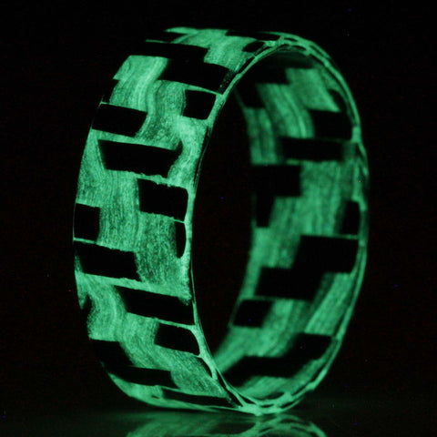 The Lumineer Ultralight - Chroma Glow Twill Glass & Carbon Fiber Ring